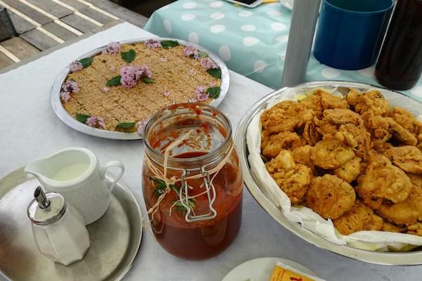 Frühstück mit den Nachbarn
